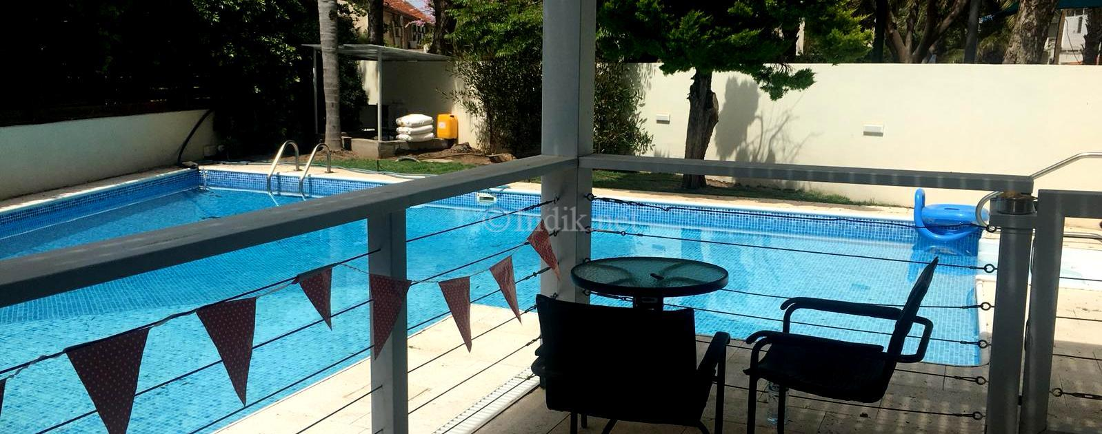 Luxurious 8 rooms villa for rent in Herzliya Pituach