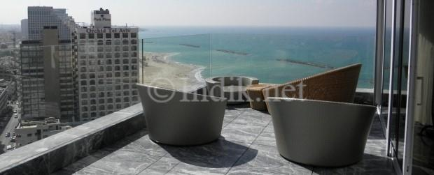 Luxury penthouse in Tel Aviv promenade for sale