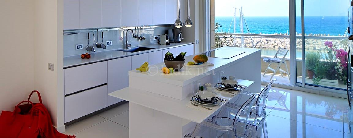 Rare Huge mini penthouse in the Herzliya Marina