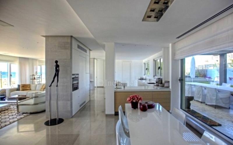 A Luxury Apartment For In Tel Aviv Herbert Samuel Promenade
